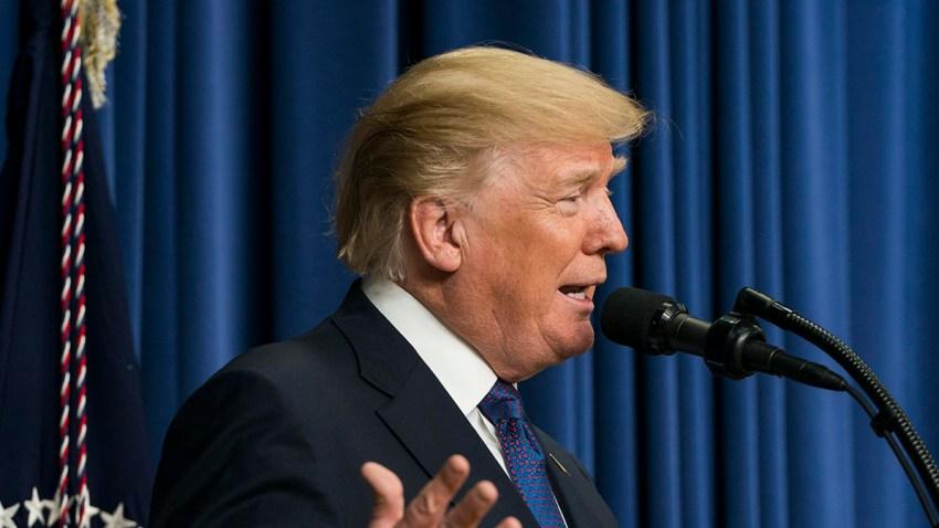 El presidente Trump se dirige al panel de mujeres en Washington