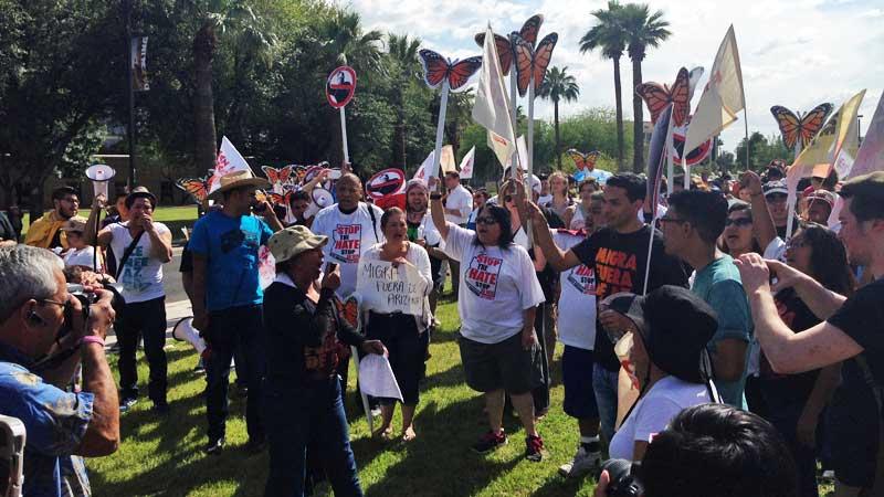 Inmigrantes-y-la-sb1070-en-Phoenix-Arizona-telemundo