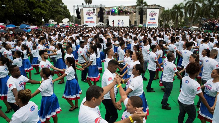 TLMD-republica-dominicana-record-merengue-EFE-390fc241f6bda28e9927087af15442abe2f8b488w