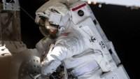 Problemas con un casco ponen en peligro caminata espacial
