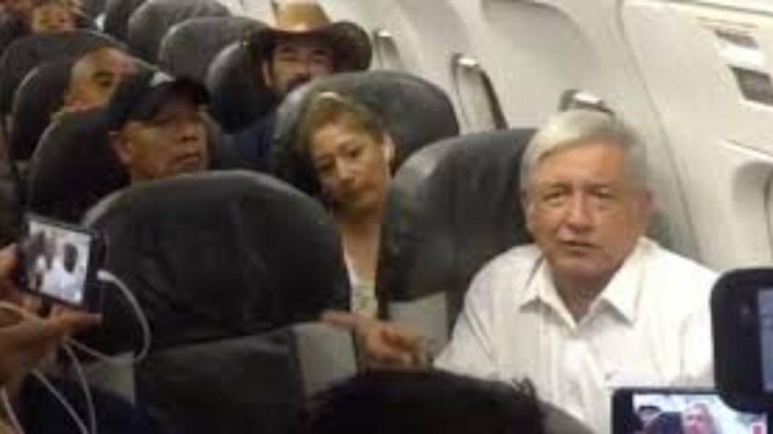 Presidente mexicano viaja en vuelo comercial