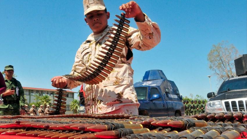 Decomiso de armas y cartuchos