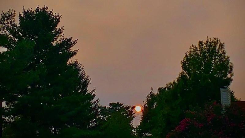 Fotos: Humo de incendios forestales llega al área de DC