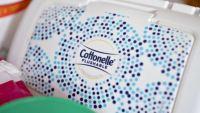 Por riesgo de contaminación con bacteria retiran ciertas toallitas Cottonelle