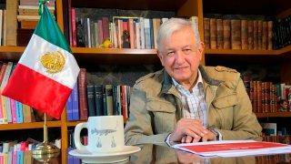El presidente de México en su oficina en Palacio Nacional