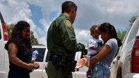 EEUU otorgaría residencia legal a familias separadas durante el gobierno de Trump
