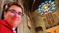 Una de las iglesias cristianas más grandes de EEUU tiene al primer obispo transgénero