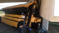 choque-bus-escolar-denver-001