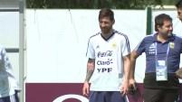 Messi cumplió 31 años rodeado por sus compañeros de selección,pero en el ambiente menos feliz.