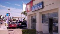 El dueño de una tintorería perdió dinero tras el engaño de un estafador.