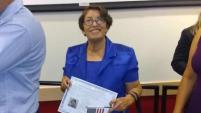 """Rosaura González cuenta que dudaba en tramitar la naturalización porque pensaba que estaba """"muy vieja"""" para pasar el proceso. Pese a los..."""