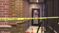 Un hombre hispano ha muerto tras un tiroteo registrado la madrugada del viernes en un centro comercial en Chantilly. El presunto responsable ha sido arrestado.