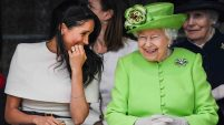 Isabel II es la reina que lleva más años como monarca. Te contamos su vida, qué hace y cómo.
