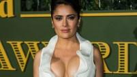 La actriz mexicana se robó la atención de todos con un provocativo escote en los en los premios Evening Standard Theatre. Aquí las imágenes.