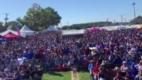 Miles de salvadoreños participaron este fin de semana en el Festival Salvadoreñisimo, para conmemorar el día de la independencia de su...
