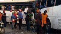 Un accidente entre dos autobuses en el sector de La Altagracia dejó decenas de heridos y al menos once muertos.