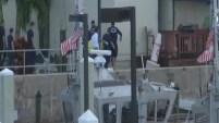 El cadáver del beisbolista es llevado a la morgue desde el lugar del accidente en el que perdió la vida a los 24 años