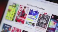 Consumer Reports recomiendan investigar bien y comparar precios antes de ir a las tiendas físicas y las tiendas en línea.