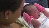 El parto se adelantó por unos días y no dio tiempo a los padres ni de llegar al hospital.