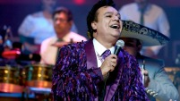 El intérprete y compositor mexicano, a quien en Los Ángeles se conmemoraba el 5 de octubre, murió el domingo de un infarto, en California.