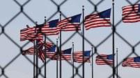 Un abogado de inmigración explica sobre las complicaciones y opciones que puede tener una persona que busca arreglar su situación migratoria...
