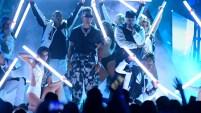Ozuna arrasó durante la gala, llevándose 11 estatuillas. Mira el video.