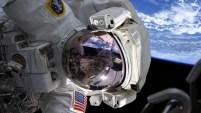 Por primera vez, dos astronautas salieron de la Estación Espacial Internacional sin acompañantes masculinos.