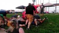 Un árbitro denuncia a los padres agresivos en los campos de juego con el objetivo de que se avergüencen.
