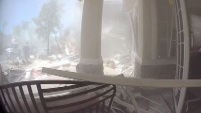 Una explosión de gas en una residencia de California quedó captada en una cámara de vigilancia.