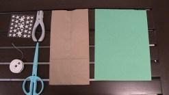 Cómo usar una bolsa de papel para envolver regalos