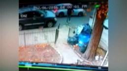 Video lo capta robando paquetes del buzón