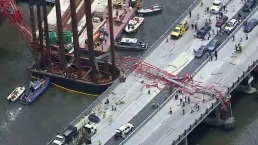 Fotos: Grúa colapsa en medio del Tappan Zee Bridge