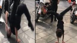 Policía vs menor: divertido reto de baile en plena calle