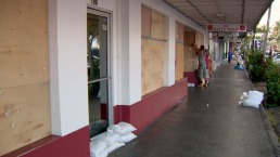 Hawai se prepara para dos huracanes