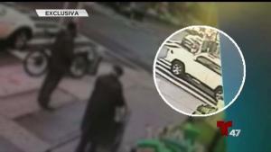 Conductor atropella peatones y huye