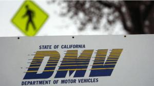 Falla técnica genera retrasos en oficinas del DMV
