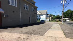 Policía arresta a sospechosos de apuñalamiento en Hartford