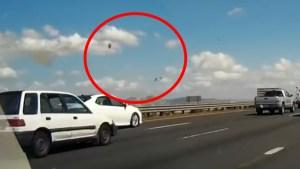 Captado en video: piloto es expulsado de un F-16 antes de accidente