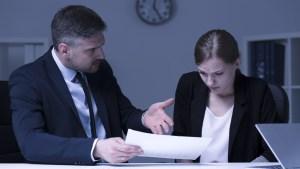 Proyecto protegería a víctimas de acoso en el trabajo