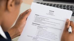Cómo cambiar tu resume cuando buscas trabajo en EEUU
