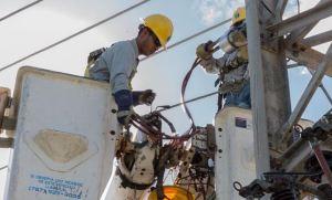 AEE: Más del 85% de los clientes ya tienen servicio eléctrico