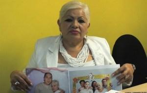 """Madre se siente """"encarcelada"""" tras arresto injusto de hijos"""