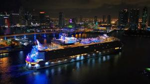 """El """"crucero más grande del mundo"""" llega finalmente a su puerto base"""
