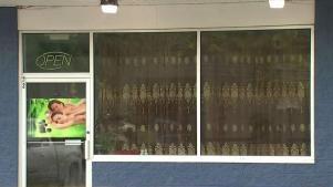 Spa local acusado de ofrecer servicios sexuales