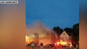 Voraz incendio en apartamentos en New Britain