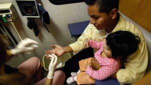 """""""Carga pública"""" afectaría la salud de los inmigrantes"""