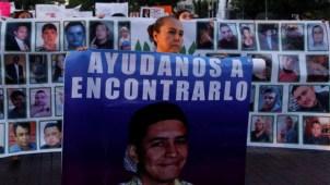 Padres de tres jóvenes desaparecidos piden apoyo a AMLO