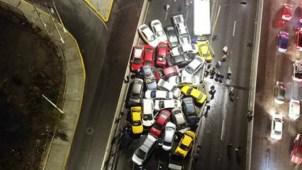 Aguanieve ocasiona carambola de 40 vehículos