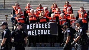 Refugiados demandan a EEUU para que los dejen mudarse