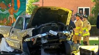 Tragedia desde un puente: camioneta cae y mata a cuatro